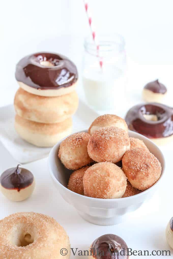 Vanilla Bean And Buttermilk Baked Doughnuts | VanillaAndBean.com