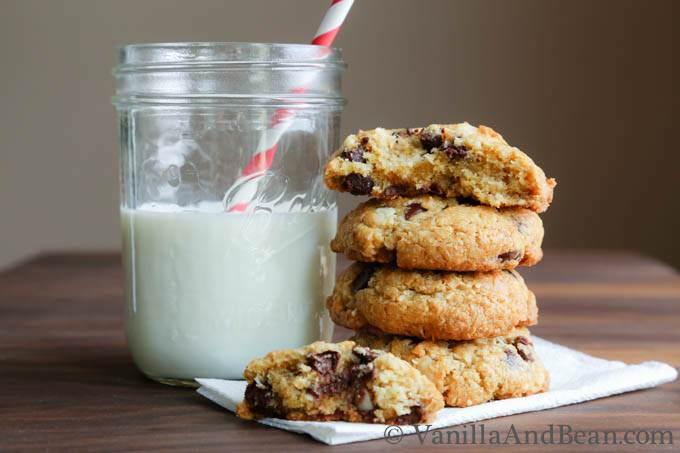 Coconut Macadamia Nut Chocolate Chip Cookies | VanillaAndBean.com