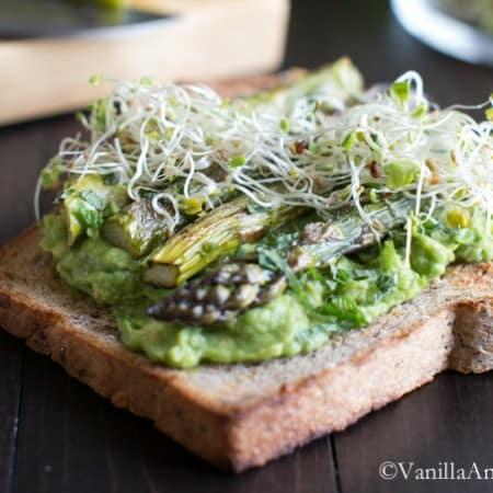 Avocado with Roasted Asparagus on Multigrain Toast | Vanilla And Bean