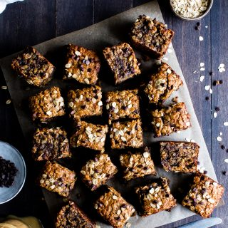 Naturally sweetened and grab n' go friendly, Peanut Butter Banana Chocolate Chip Breakfast Bars double as breakfast or snack. Make once, eat all week! They're freezer friendly too! #vegan + #glutenfree + #HealthyFood #Vegetarian #Recipes