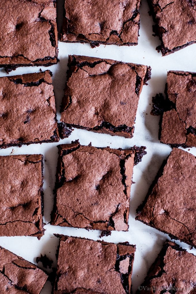 Like a chocolate truffle in brownie form, Homemade Espresso Brownies - gluten free + vegan are melt in your mouth and so simple to make. Fudgy or cakey, you decide! #Vegan #GlutenFree #Oatflour #EspressoBrownies #Dessert #Chocolate (ad)