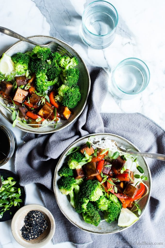 With a little meal prep, these Speedy Tofu Teriyaki Bowls come together with ease for an easy and flavor-packed weeknight dinner. #TofuBowls #VeganTofu #GlutenFreeVeganDinner #MarinatedTofu #TeriyakiBowls